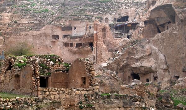 Hasankeyf-An-Ancient-City-in-Batman-Turkey1